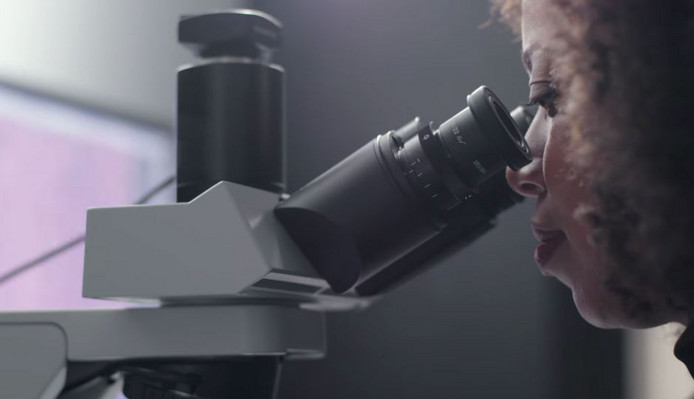 Google made an AR microscope that can help detect cancer!