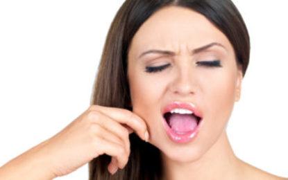 These 5 Facial Yoga exercises you can do EVERYWHERE!